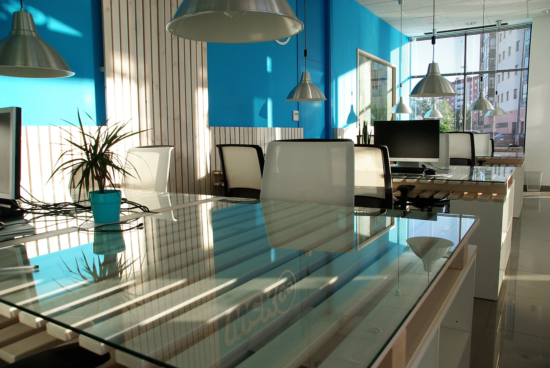 You are currently viewing Looking for office space? Consider these Do's and Don'ts.
